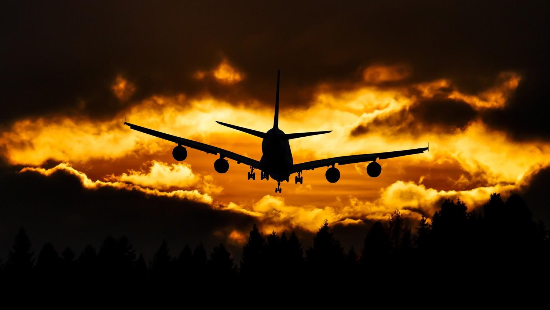 Несущийся самолет-призрак снова испугал жителей Англии