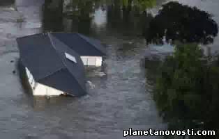В Англии после наводнения под землю уходят дома и дороги