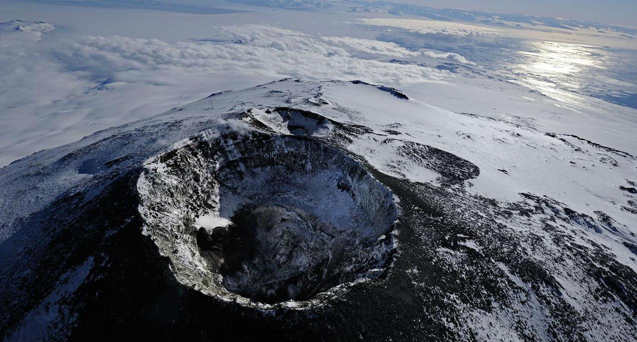 NASA ищет портал в другой мир в антарктическом вулкане