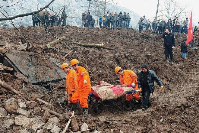 15 человек погибли в результате оползня на юго-западе Китая