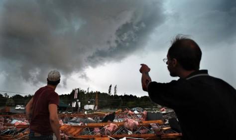 В штате Айова 97-летняя женщина чудом выжила после прохождения торнадо