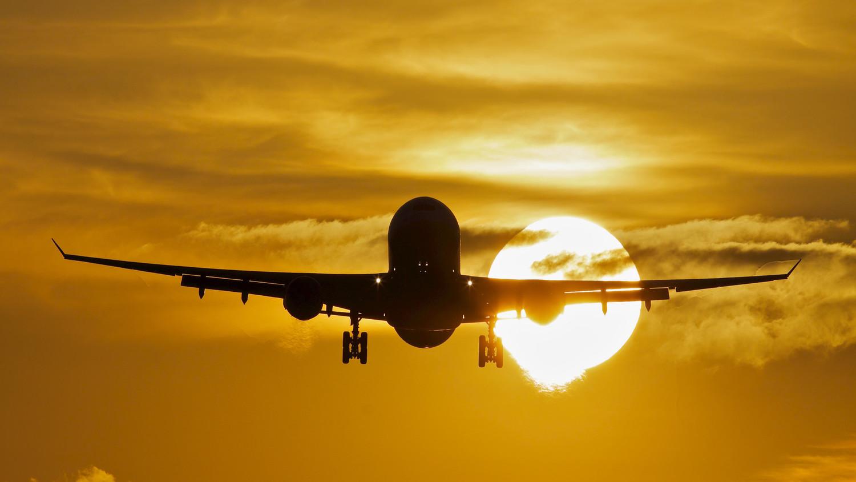 В Индонезии пропал самолет с пассажирами