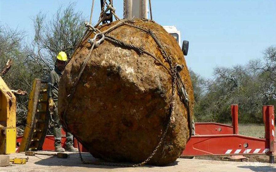 В Аргентине извлекли из-под земли метеорит весом в 30 тонн