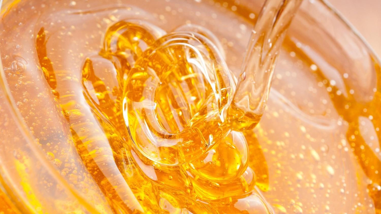 Ученые сообщили про целебные свойства воды с медом