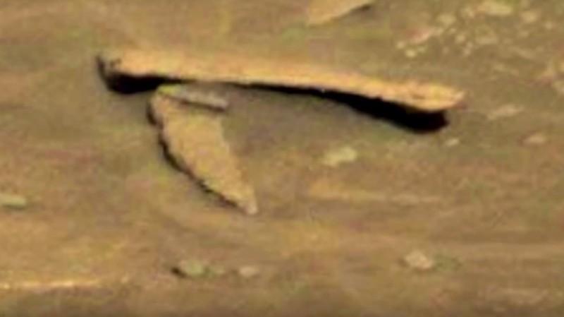 Уфолог Скотт Уоринг обнаружил на Марсе складной нож