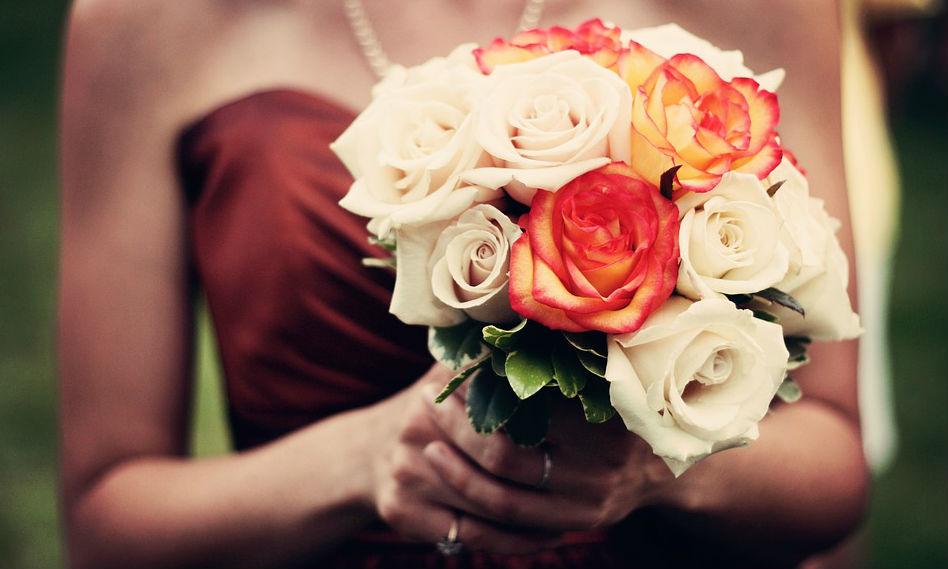 Букет из самых красивых и свежих цветов: где купить?