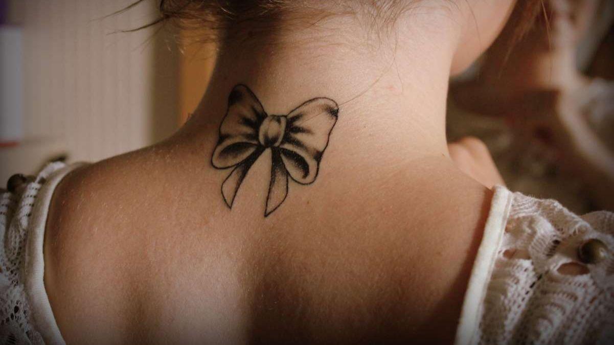 Татуировка «бантик» – значение, особенности
