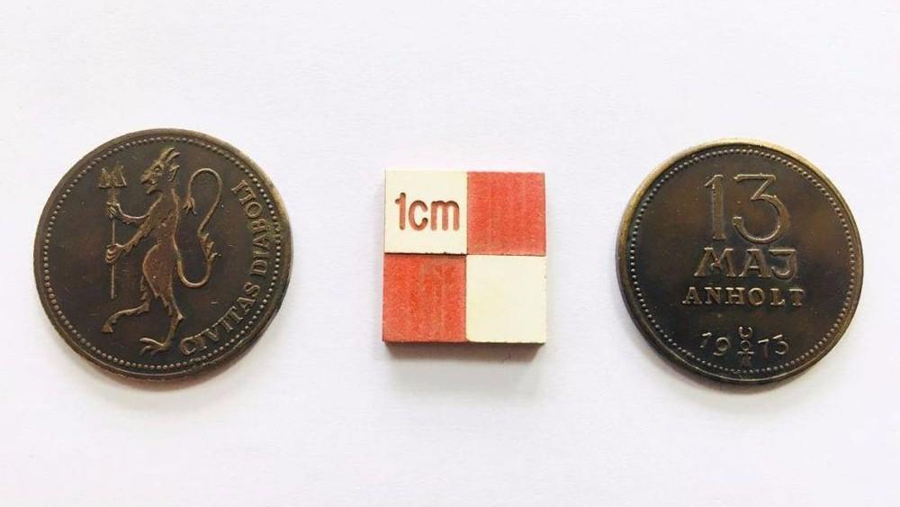В Дании нашли монеты, на которых изображен дьявол